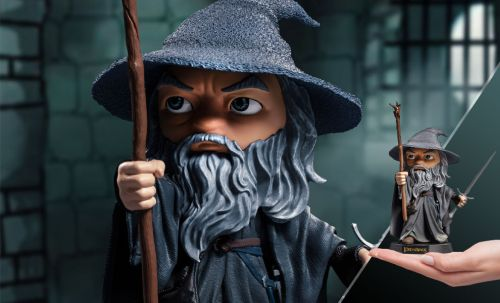 GANDALF LORD OF THE RINGS STATUE - 036532715761